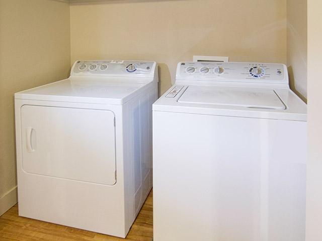 Washer & Dryer | 644 City Station