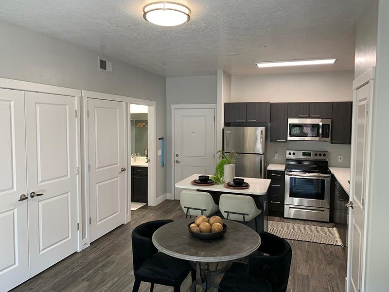 Stainless Steel Appliances   644 City Station