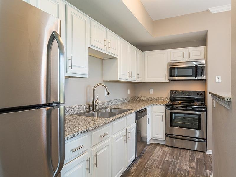Stainless Steel Appliances | Retreat at Cheyenne Mountain 80905 Apartments