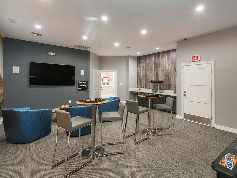 Resident Lounge | Retreat at Cheyenne Mountain Apartments in CO