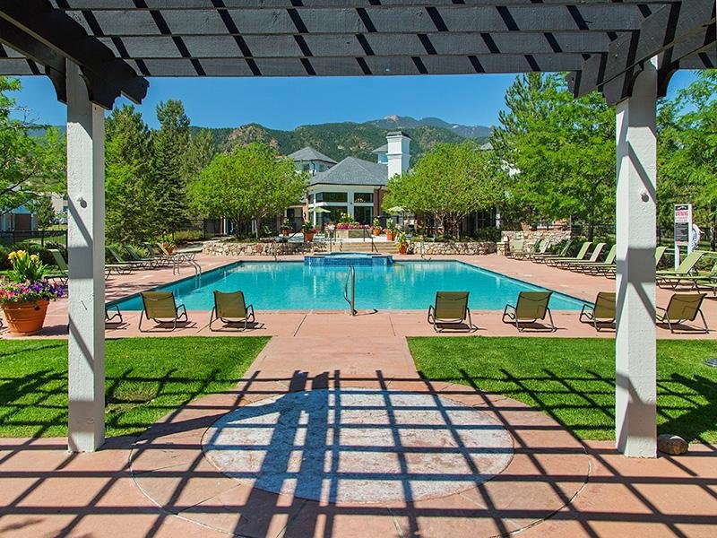 Swimming Pool | The Retreat at Cheyenne Mountain Apartments in Colorado Springs CO