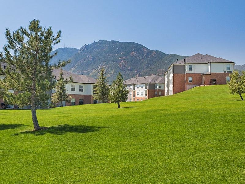 Beautiful Views | The Retreat at Cheyenne Mountain Apartments in Colorado Springs CO
