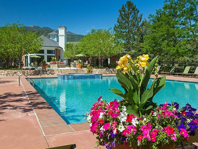 Pool | The Retreat at Cheyenne Mountain Apartments in Colorado Springs CO