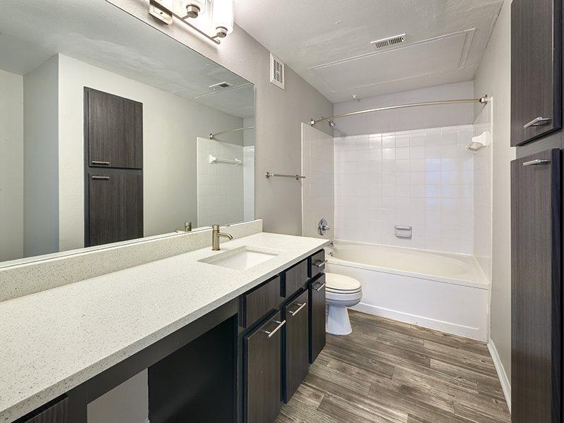 Beautiful Bathroom | Retreat at Cheyenne Mountain Apartments