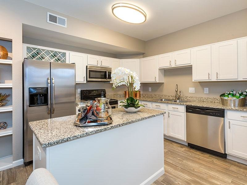 Kitchen | Retreat at Cheyenne Mountain Colorado Apartments