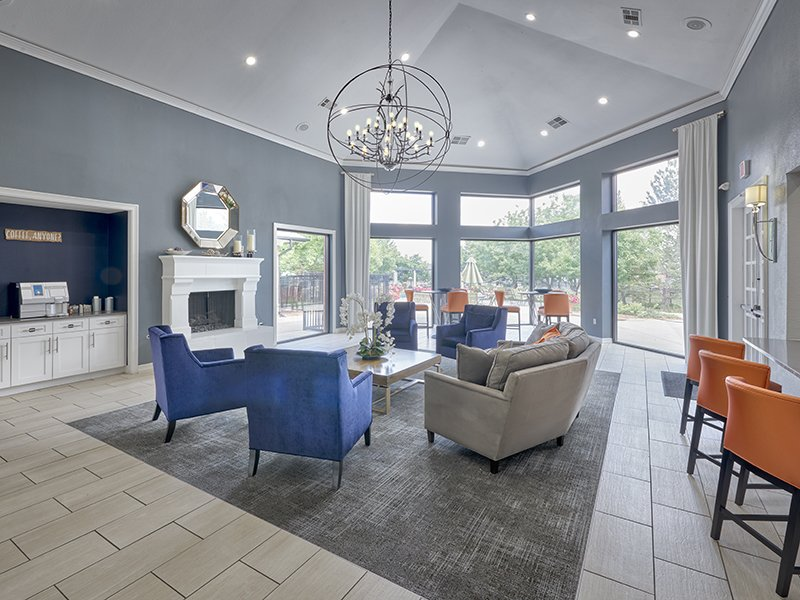 Clubhouse Lounge | Retreat at Cheyenne Mountain Apartments