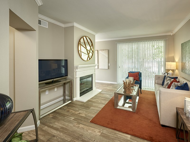 Living Room | Retreat at Cheyenne Mountain Apartments