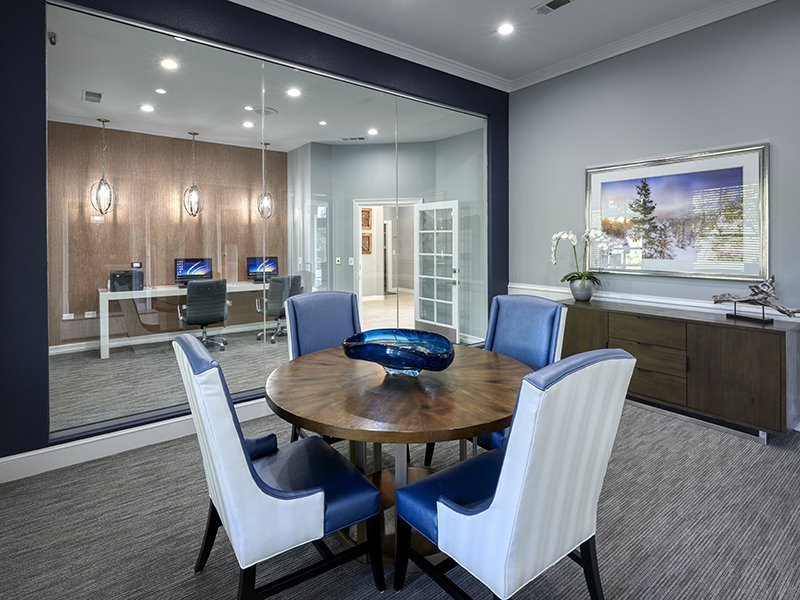 Clubhouse Business Center | Retreat at Cheyenne Mountain Apartments