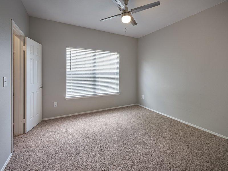 Spacious Bedroom | Retreat at Cheyenne Mountain Apartments