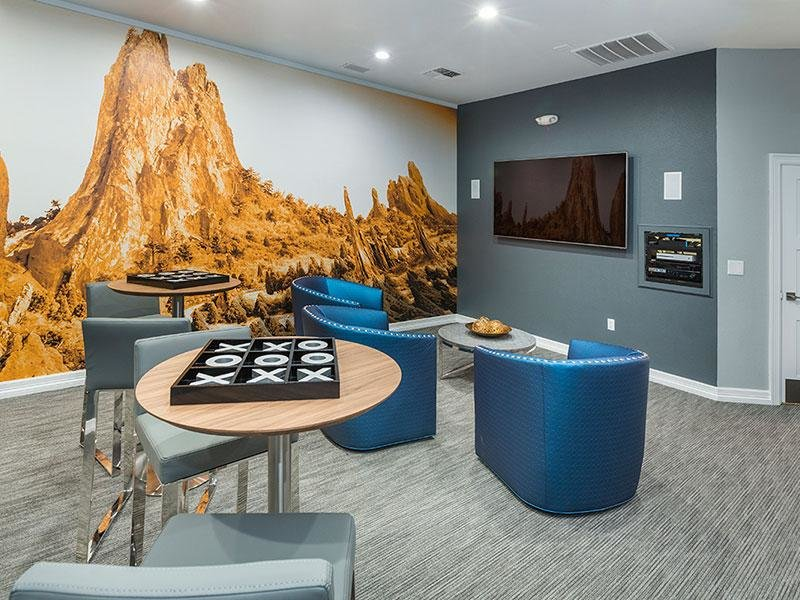 Clubhouse Lounge | Retreat at Cheyenne Mountain Apartments in CO