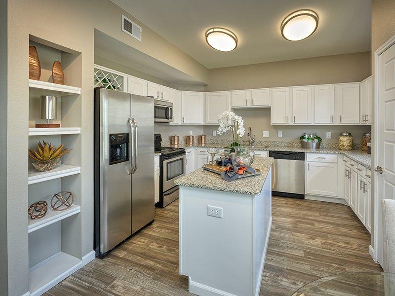 Kitchen | Retreat at Cheyenne Mountain Apartments