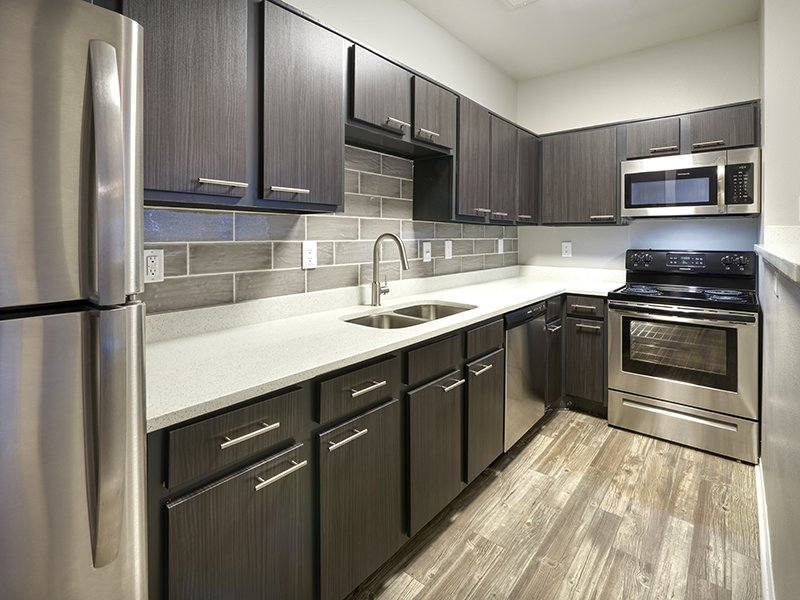 Fully Equipped Kitchen | Retreat at Cheyenne Mountain Apartments