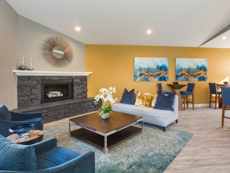 Resident Lounge | The Preserve at City Center Aurora Apartments