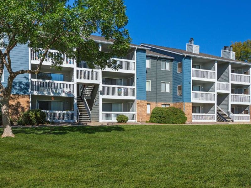Building Exterior | The Preserves at City Center Apartments in Aurora, CO