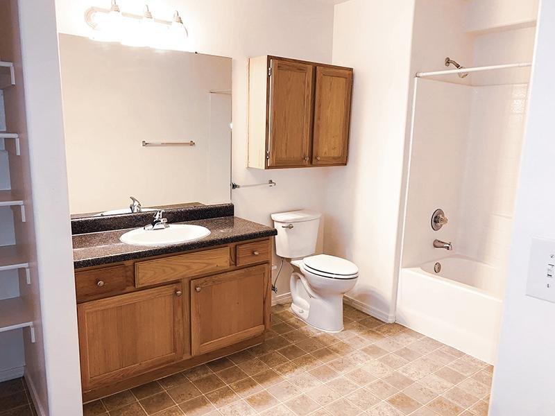 Bathroom | Oasis Palms
