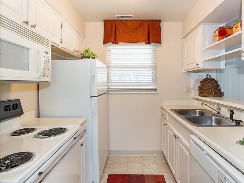 Kitchen   25 Broadmoor Apartments in Colorado Springs, CO