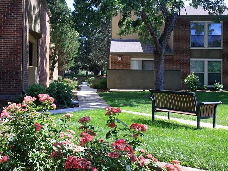 Beautiful Landscaping | 25 Broadmoor Apts in Colorado Springs, CO