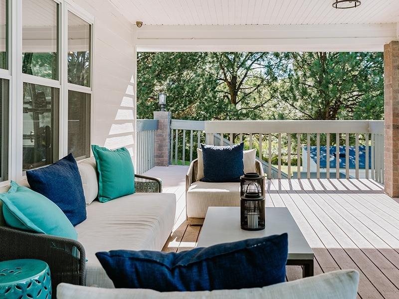 Patio | Kallisto at Bear Creek Apartments in Lakewood, CO