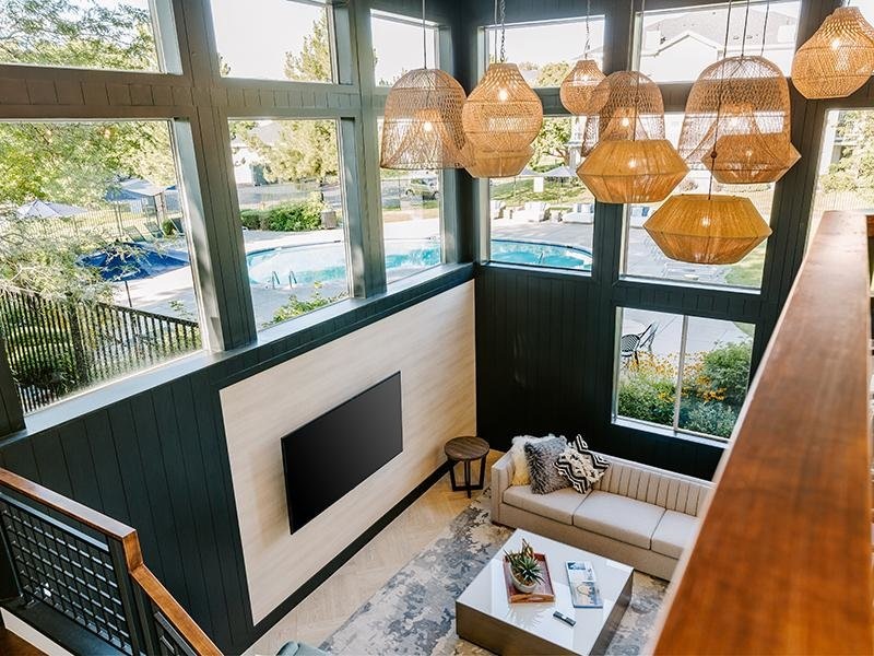 Resident Clubhouse Lounge | Kallisto at Bear Creek Apartments in Lakewood, CO