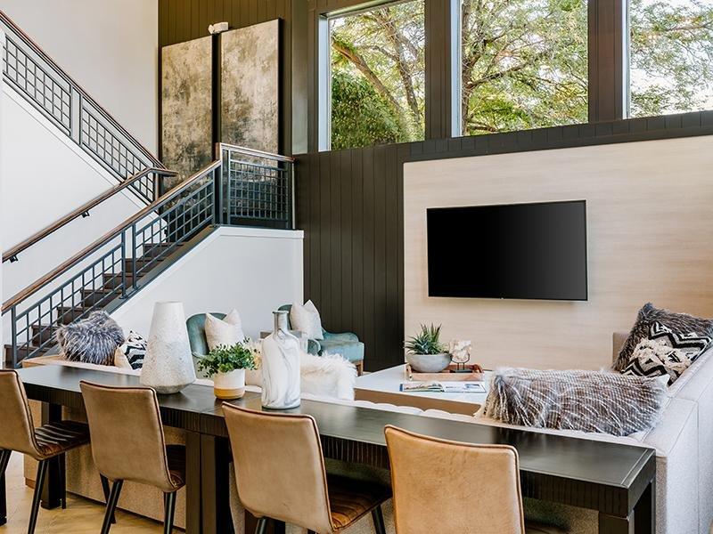 Clubhouse Dining Area | Kallisto at Bear Creek Lakewood Apartments