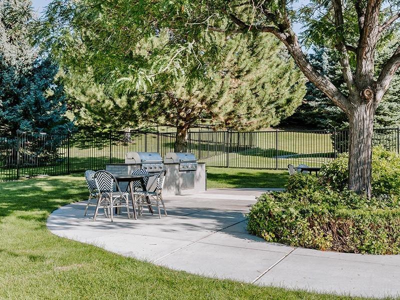 Exterior Lounge Area | Kallisto at Bear Creek Lakewood Apartments