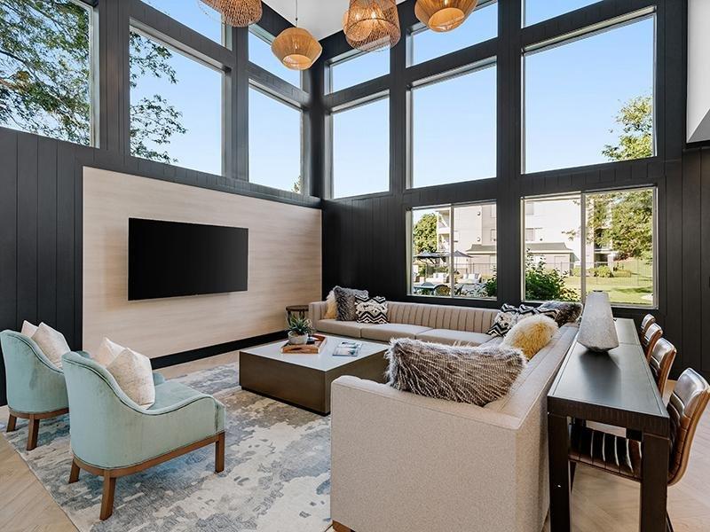 Clubhouse Lounge | Kallisto at Bear Creek Lakewood Apartments