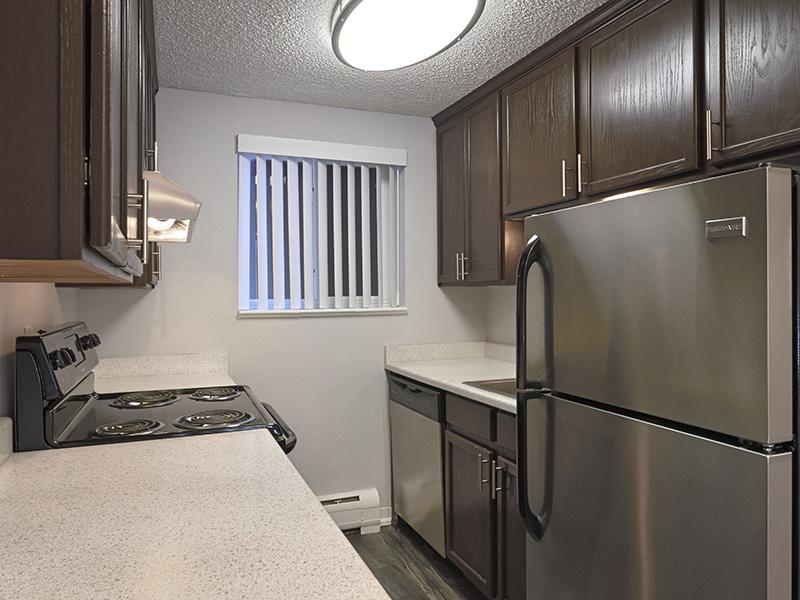 Fully Equipped Kitchen | 52nd Marketplace Apartments in Arvada, CO