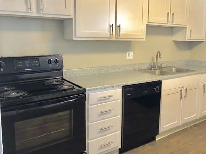 Kitchen | Eagle Crest Apartments