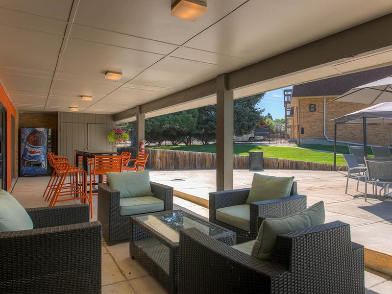 Outdoor Lounge |  3300 Tamarac Denver Apartments