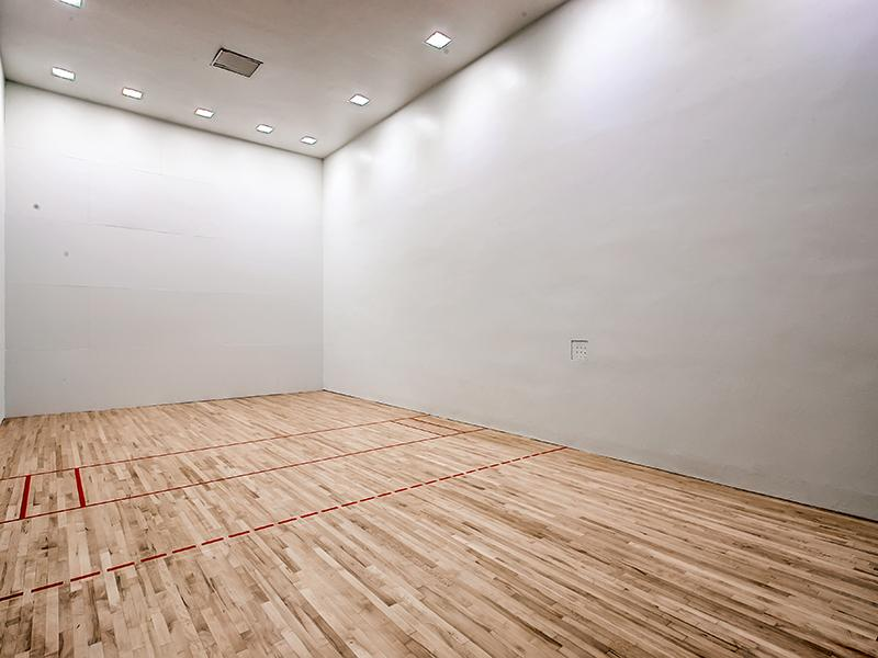 Raquetball Court | 3300 Tamarac Denver Apartments
