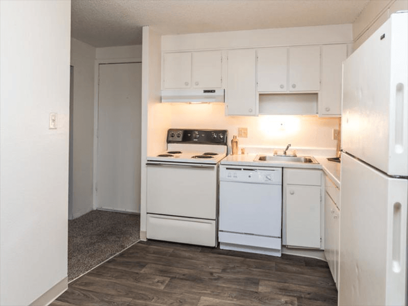 Kitchen | Cherry Ridge Apartments