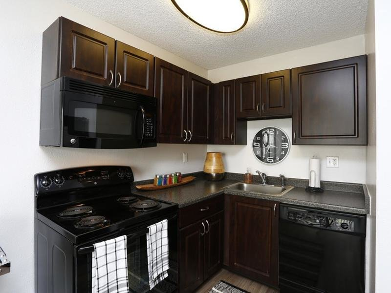 Kitchen | Sunset Ridge Apartments
