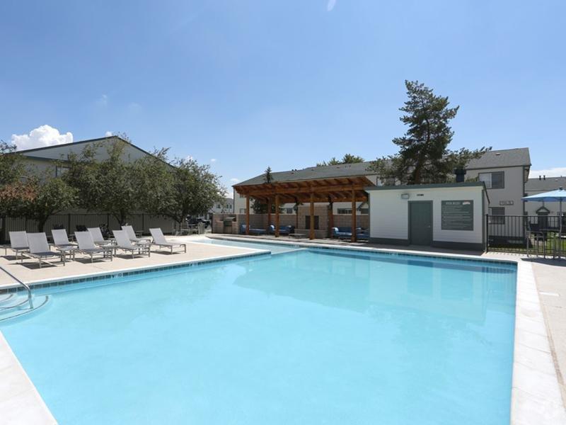 Pool Sunset Ridge Apartments
