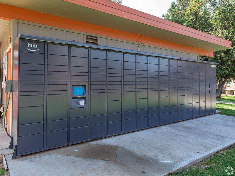 Amazon Lockers | Cedar Run Apartments