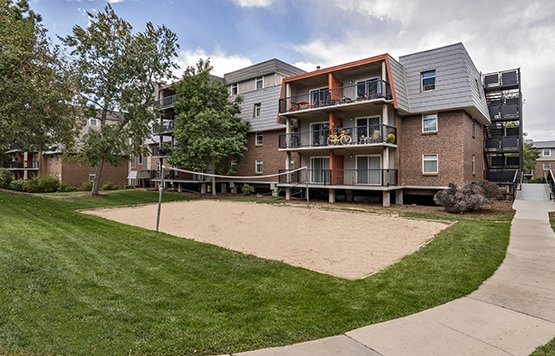Cedar Run Apartments in Denver, CO