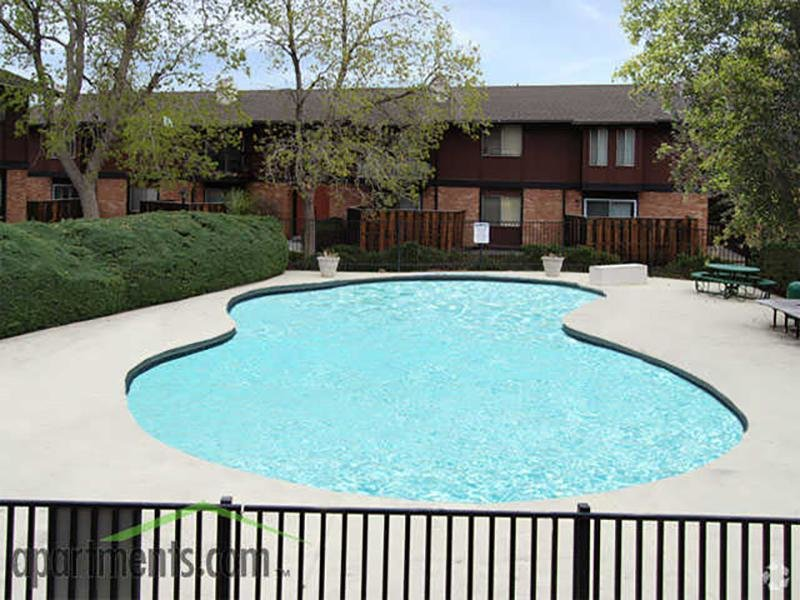 Swimming Pool | Forest Cove Apartments
