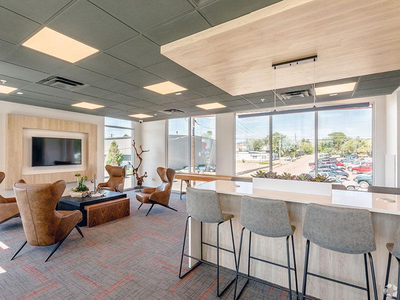 Clubhouse Interior | 1600 Hoyt