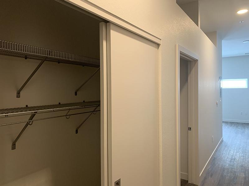 Closet | 1600 Hoyt