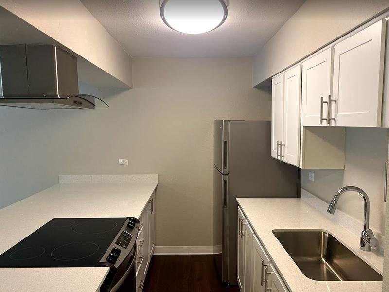 Fully Equipped Kitchen | Falcon Run Apartments in Englewood, CO