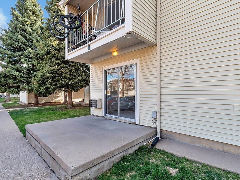Apartment Exterior | Falcon Run Apartments