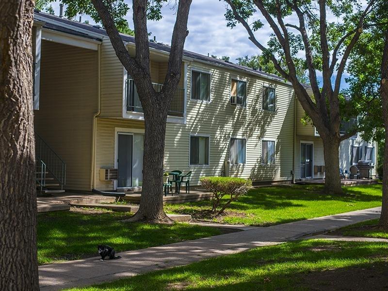 Exterior | Falcon Run Apartments