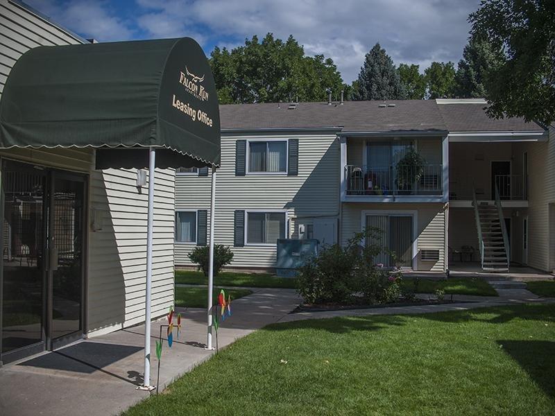 Clubhouse   Falcon Run Apartments