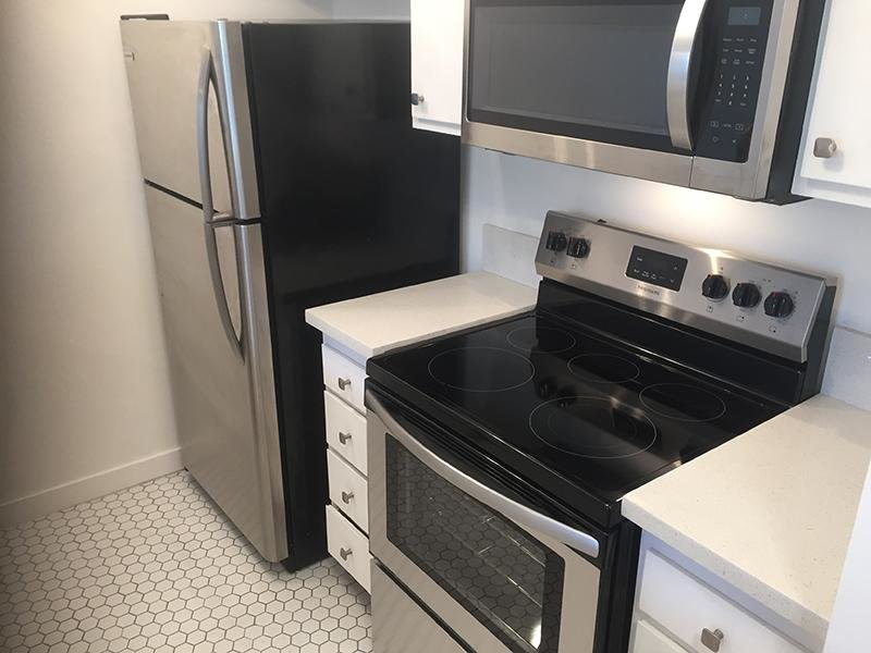 Stainless Steel Appliances | Los Feliz