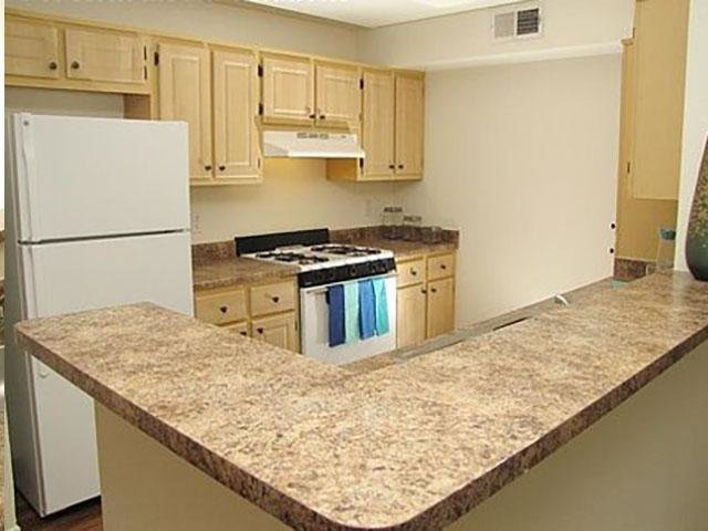 Kitchen | Apartments in Davis, CA