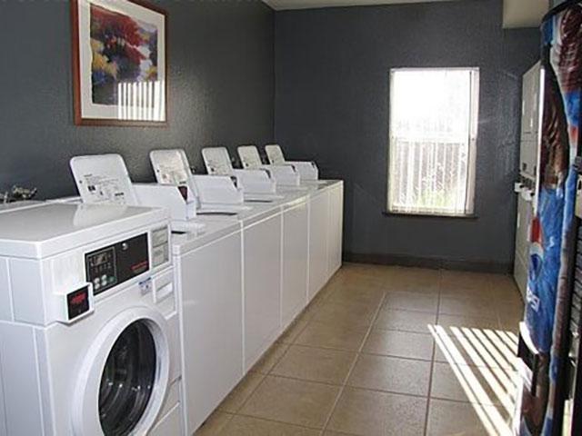 Laundry Facility | Alhambra at Mace Ranch