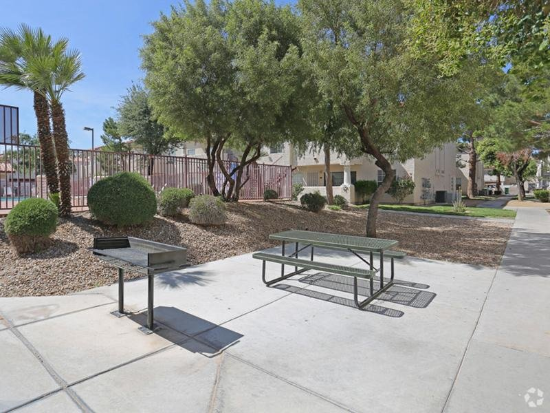 Picnic Area - Grill - Outdoor Eating - NV