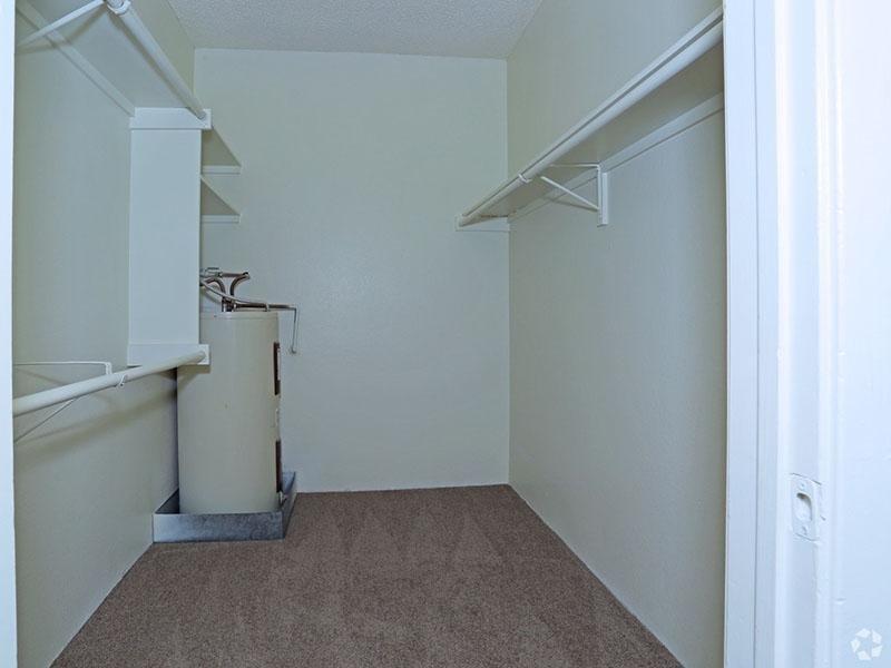 Walk in Closets | Desert Ridge Apartments