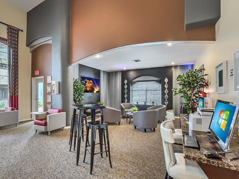 Business Center | The Avondale in Las Vegas