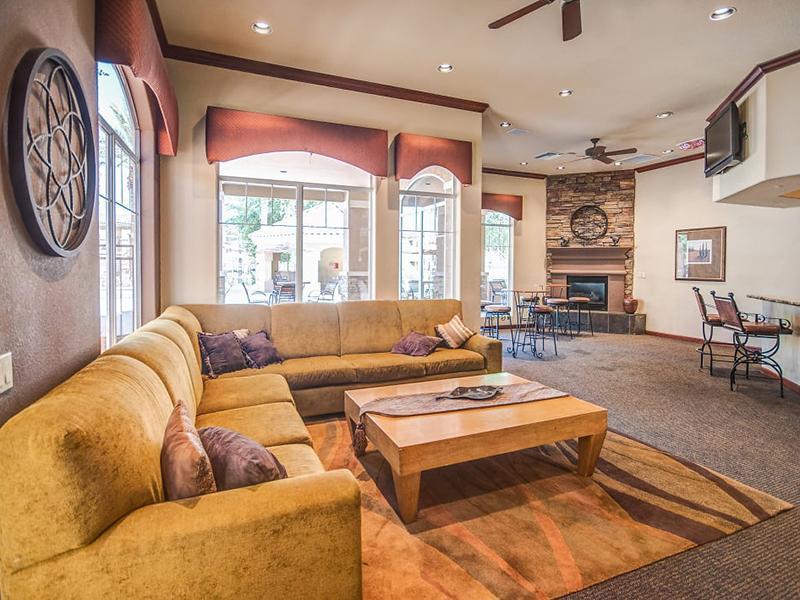 Clubhouse Lounge | Remington Ranch