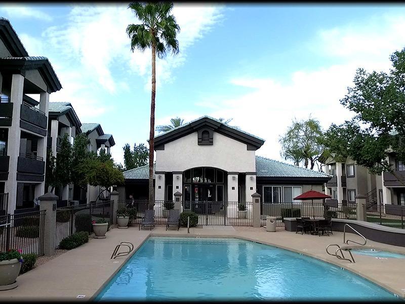 Pool   Lindsay Palms Apartments